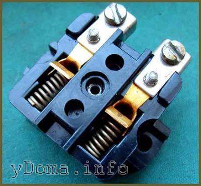 Электрическая розетка с отличными контактами