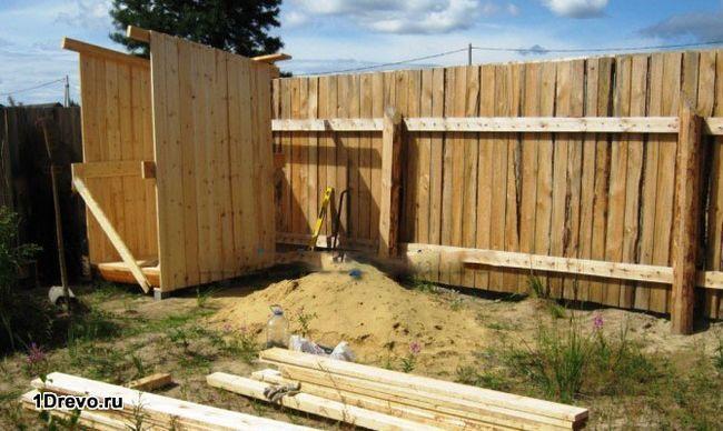 Как построить деревянный туалет на даче самому