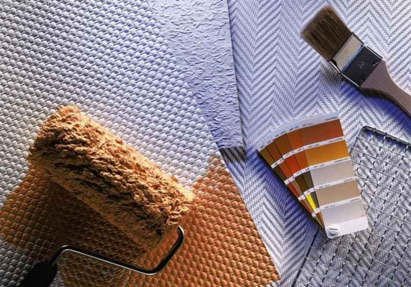Как правильно клеить стеклообои под покраску на потолок