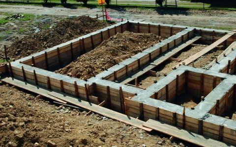 ленточный фундамент,монолитный ленточный фундамент,фундамент дома,какой фундамент