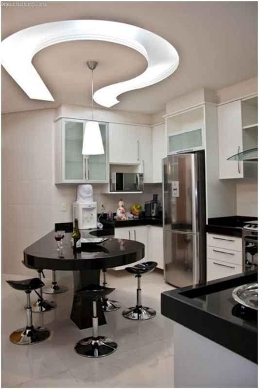 Натяжные потолки для кухни повторяют форму столешницы