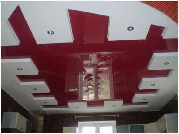 лянцевый натяжной потолок и гипсокартонный потолок совмещаются на кухне