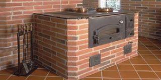 Отопительно-варочная печь с водяным контуром