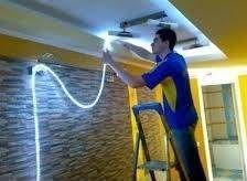 Потолочный плинтус для светодиодной ленты: установка подсветки в напольную планку, фото, видео