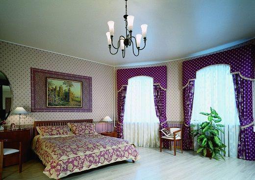 Одноуровневые сатиновые натяжные потолки