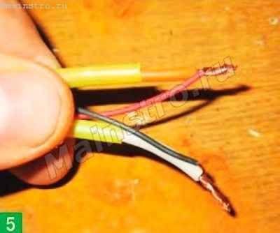 провода сетевого адаптера с кабелем