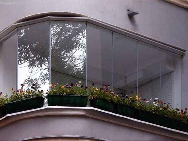 Вариант безрамного остекления балконов или лоджий