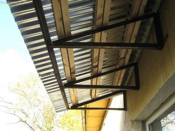 Фото остекления балконов или лоджий с крышей
